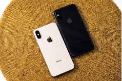iPhone_X_vs_xs
