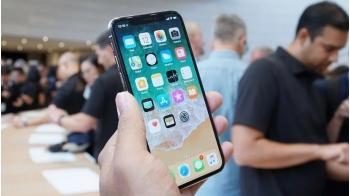 Cùng xem video mổ xẻ siêu phẩm iPhone X